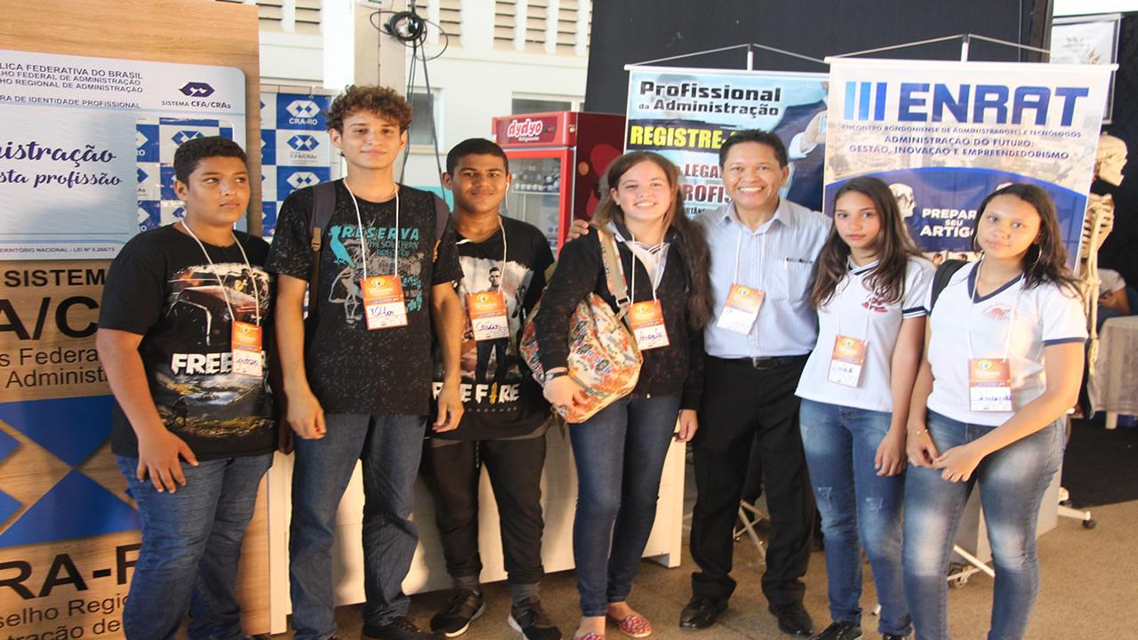 Estudantes manifestam interesse pela administração